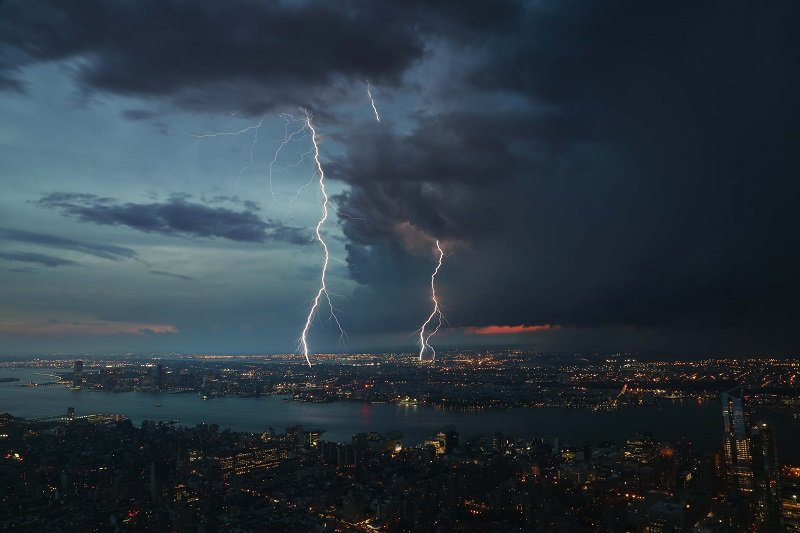How to Photograph Lightning – Top Tips for Shooting the Storm